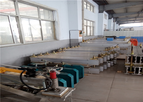 China Hydraulic Press Conveyor Belt Vulcanizing Equipment With Electronic Pump factory